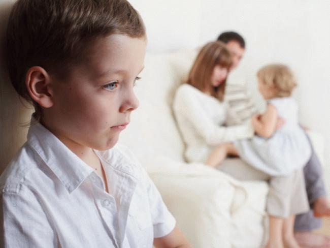 Может ли муж прописать жену и дочку в квартиру где прописан сам
