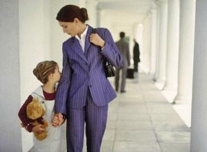 Как изменить фамилию ребенку после развода без согласия отца