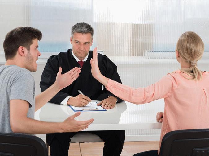 Обращение в суд при разделе имущества осуществляется в том случае, если бывшие супруги не могут достичь согласия относительно судьбы совместно нажитого