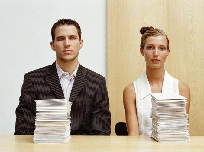 В процессе совместного ведения хозяйства больше прав будет иметь тот субъект, на имя которого выписаны чеки и накладные при покупке