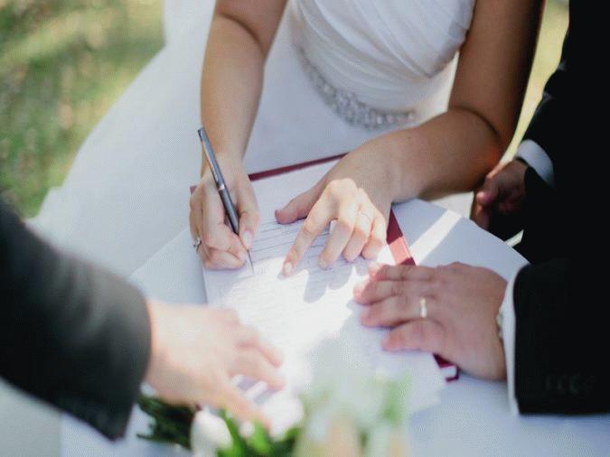 Договор можно заключить до и после брака